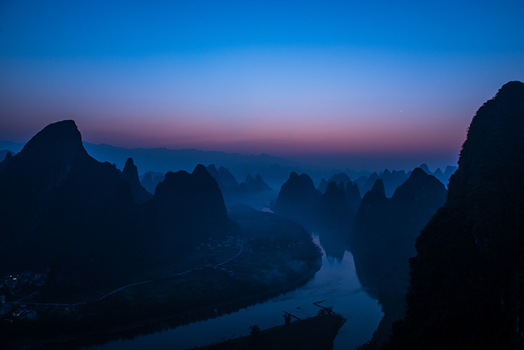 Li river bends with sunrise